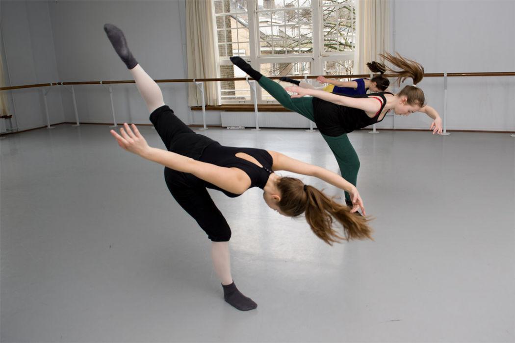 Moderne dans - Balletstudio Marieke van der Heijden - 1